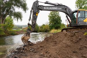 Komplexe Gewässerbau-Projekte wie die Renaturierung der Emmerinsel sind das Spezialgebiet der B. Klausing Tiefbau GmbH.