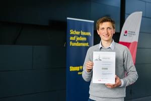 Philipp Wiesenthal von der Technischen Hochschule Lübeck erhielt die Auszeichnung für seine Bachelor-Arbeit.