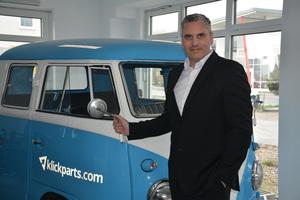 Geschäftsführer Stephan Bäumler ist mit Klickparts, der Online-Plattform für markenübergreifende Baumaschinen-Ersatzteile und Wartungsprodukte, auf dem Weg zum One-Stop-Shop.<br />