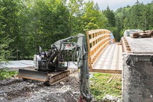 Um die Brücke zu verbreitern, müssen Widerlager und Pfeiler saniert werden.<br />