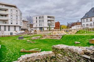 """Das Gebäudeensemble im Römerforum Andernach grenzt direkt an den """"Historischen Garten"""" an."""