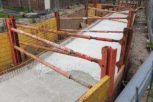 Die individuelle Verbaulösung von Euro Verbau beinhaltete ein Krings-System EGFP (Einzelgleitschiene-Federpilz) und bestand aus mehreren 3.500 mm langen Gleitschienen mit Federpilzen, Spindeln und Zwischenstücken, kombiniert mit 4.000 mm x 2.400 mm großen Gleitschienenplatten.