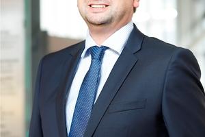 Mario Hinz verantwortet als Geschäftsführer der Muffenrohr Tiefbauhandel GmbH zusammen mit Jan Spanier das Tiefbaugeschäft bei der Stark Deutschland GmbH, einem der größten Baustofffachhändler in Deutschland. Er ist seit 1994 im Unternehmen und setzt sich für eine hohe Fachkompetenz in der Beratung ein.