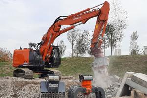 Auf Demo-Baustellen können die Fachbesucher neueste Technik im Einsatz erleben und diese auch selbst testen.