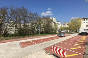 Seit November 2016 wird der Cemex-Parkplatz intensiv genutzt. Es sind keinerlei mechanische Oberflächenschäden oder Frost-Tau-Schäden zu verzeichnen.