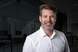 Stefan Schmitz von Tracto berät Netzbetreiber, Versorger, Kommunen und Planer in der Region D-A-CH über die Vorteile grabenloser Technik und deren Anwendung.