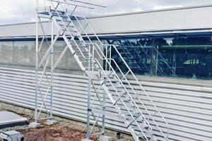 Die Treppen lassen sich für verschiedenste Einsatzzwecke konfigurieren und sorgen für sichere Zugänge zu Anlagen aller Art.