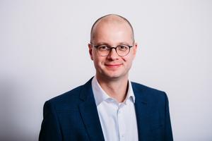 Dr. Matthias Frederichs, Hauptgeschäftsführer des Bundesverbandes der deutschen Ziegelindustrie, erklärt, dass seine Branche gut durch das erste Corona-Jahr gekommen und weiterhin lieferfähig ist.