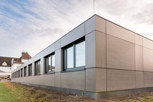 Ein Beispiel für ein Hybridschulgebäude von Adapteo.