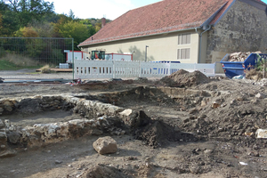 Bei den Arbeiten zum Regenrückhaltebecken fanden die Bauarbeiter Zeugnisse der Klostergeschichte. Diese wurden archäologisch aufgearbeitet und dokumentiert.