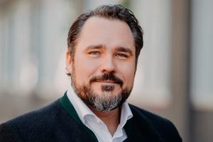 Daniel Föst ist Landesvorsitzender der FDP Bayern und Beisitzer im FDP-Bundesvorstand. Föst ist Mitglied des Deutschen Bundestages und bau- und wohnungspolitischer Sprecher der FDP-Fraktion.