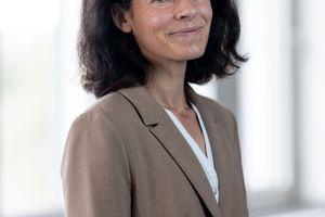 Als neue Leiterin Nachhaltigkeit und Umweltschutz wird Daniela Bender für die Poroton-Mitglieder die umwelt- und klimaschutzfachlichen Themen aufbereiten. Im Mittelpunkt stehen CO2-Reduktion, Energieeffizienz, Kreislaufwirtschaft und Biodiversität.<br />
