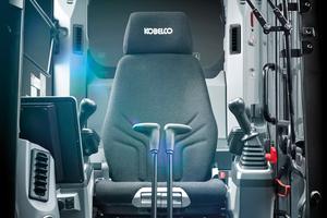 Im Zuge des neuen Performance X Design-Konzepts wurden die Kabinenumgebung, Ergonomie und die Sicherheitsfunktionen verbessert.