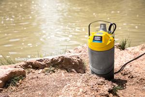 Weda-Entwässerungspumpen wiegen bis zu 40 Prozent weniger als Konkurrenzprodukte und sind dank der kompakten Bauweise leicht zu handhaben und zu transportieren.