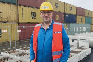 Dipl.-Ing. (FH) Michael Läpple ist als Projektingenieur Fläche / Tiefbau im Bereich Infrastruktur-Management der Eurogate Technical Services GmbH für Projektplanung und Budgetkontrolle / Controlling verantwortlich.