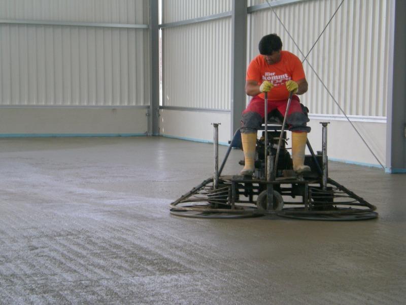 Gut gemocht Baustoffhändler setzt auf Hartkorneinstreuung - THIS – Tiefbau BS94