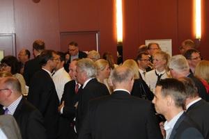Der Abend bot den 130 hochkarätigen Gästen aus der Baubranche zahlreiche Gelegenheiten für fachkundigen Informationsaustausch.