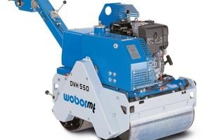 """Mit 365 kg Betriebsgewicht ist die DVH 550 als leichteste der drei Duplex - Walzen von Weber speziell für Asphalt - Reparaturarbeiten ausgelegt<br /><span class=""""bildunterschrift_hervorgehoben"""">Foto: Weber mt</span><br />"""