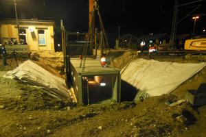 Der Einsatz von Fertigteilen erspart dem Bauunternehmer einen aufwändigen Verbau, das Anlegen von Hilfsbrücken und den Einsatz von Ortbeton.