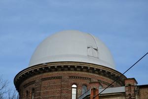 Optisch ansprechend und gemäß den Vorgaben des Denkmalschutzes wurde das Observatorium saniert.