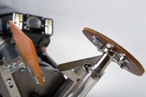 Spachtelroboter ermöglichen die partielle Reparatur schadhafter Stellen und die Sanierung von Anschlüssen in Kanalleitungen DN 200 bis DN 800