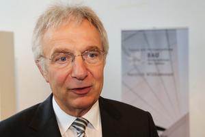 """Univ.-Prof. Dr.-Ing. Josef Zimmermann, Technische Universität München: """"Der Preis soll der Öffentlichkeit deutlich machen, zu welchen Leistungen große, aber auch mittelständische Bau-unternehmen in der Lage sind."""""""