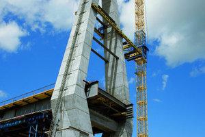 2 Anspruchsvoll: Querschnittsform und -abmessung der Pylonbeine verändern sich kontinuierlich über die gesamte Höhe von 90 m