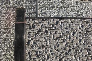 """Mit der Strukturmatrize """"Murus Romanus"""" lässt sich das Erscheinungsbild einer gemauerten Natursteinwand hervorragend widerspiegeln"""
