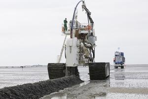 Mit einer Verlegeleistung von etwa 1200 m pro Stunde wurde das Projekt innerhalb von nur drei Arbeitstagen fertig gestellt<br />
