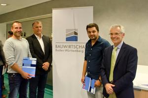 Urkunden- und Zeugnisübergabe bei der diesjährigen Abschlussfeier im Ausbildungszentrum Bau Geradstetten.