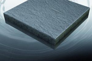1 Auf Wunsch bietet Lithonplus seine Pflaster- und Plattenbeläge mit einem speziellen Oberflächenschutz an