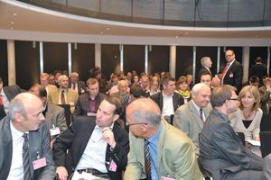 """Die Teilnehmer nutzten das F<span class=""""bildunterschrift_hervorgehoben"""">GSV-Kolloquium</span> in Kassel für einen intensiven Gedankenaustausch<br /><br />"""