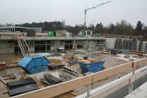 oben: Blick auf die Baustelle im Dezember 2014.