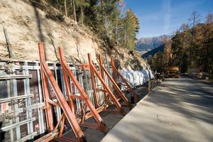 Machten ein Arbeiten unter engen Baustellen-Verhältnissen möglich: Noetop Wandschalung und Noe Abstützböcke