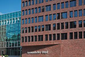 Klinker Cuxhaven: In der Hafencity Hamburg entstand dieses repräsentative Bürogebäude am Brooktorkai nach den Entwürfen von gmp Architekten. Für die ausdrucksstarke Fassade wählte man den Klinker Cuxhaven, bunt rustikal, der Marke Bockhorn<br />