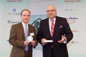 Erster Platz: Rolf Kemper-Böninghausen (links) von der Emschergenossenschaft hat einen Vermessungsroboter entwickelt
