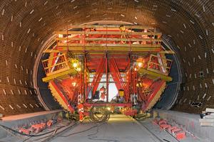 Auch für den Regelbereich bergmännischer Tunnel bieten Variokit Tunnelschalwagen auf Mietbasis eine wirtschaftliche Alternative