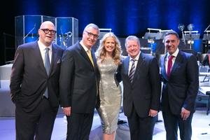 Bild 1: Vertrauen und Respekt als Fundament eines 60jährigen Erfolgs: Paolo Fellin, Peter Gerstmann, Barbara Schöneberger, Michael Heidemann und Nigel Lewis (von links nach rechts)