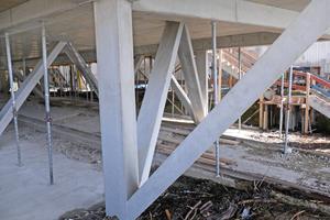 Aufgrund der variierenden Winkel, Längen und Flächen musste jede Stütze und Strebe einzeln geplant werden.