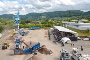 Das vielfältige Leistungsspektrum der Wirtgen Group Mineral Technologies demonstrierten die Wirtgen Group Anwendungsexperten in spannenden Live-Vorführungen.