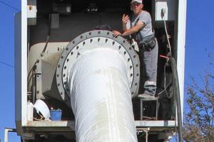Inversieren des Kalibrierschlauches mit Hilfe einer Drucktrommel bei geringem Druck und einer Geschwindigkeit von von 3-5 m/min<br />