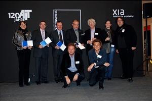 """Innovationspreis Architektur + Bauwesen: Außendienstleiter Hubert Klar (2. v. li.) nahm die """"Auszeichnung"""" stellvertretend für Funke entgegen<span class=""""bildunterschrift_hervorgehoben"""">Foto: AIT</span><br />"""