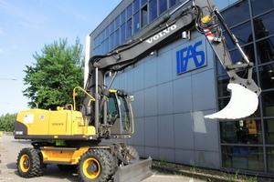 Volvo CE stellte den Universitäten von Aachen und Kaiserlautern zu Forschungszwecken Testfahrzeuge zur Verfügung.