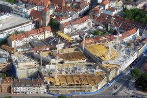Beengte Platzverhältnisse der Hildesheimer Innenstadtbaustelle Arneken-Galerie erfordern die konsequente Optimierung der Schalungsvorhaltung<br />