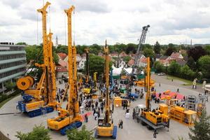 Hauausstellung der Bauer Maschinen GmbH in Schrobenhausen