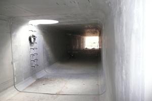 Innenansicht: Für eine optimale Hydraulik innerhalb des Kanals sorgt ein leichtes Gefälle zur Profilmitte innerhalb des Rahmenbauteils.