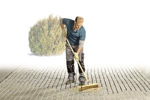 v.l.n.r.: Ob ungebundene oder gebundene Bauweise: Mit dem neuen GaLaBau-Sortiment vereinfacht Ceresit das Anlegen von Fuß- und Fahrwegen. Die Empfehlung der Henkel-Marke richtet sich jeweils nach der ZTV-Wegebau.