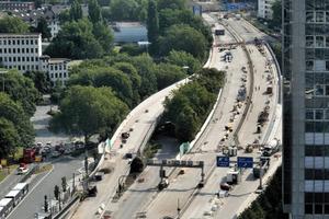 Sanierungsarbeiten an den Helbingbrücken – fotografiert vom Evonik-Gebäude<br /><br />