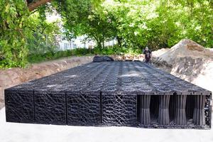 Das in Berlin-Tiergarten installierte Rigolensystem ACO Stormbrixx hat ein Gesamtvolumen von 21 Kubikmeter<br />