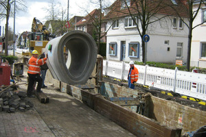 """Rund<span class=""""bildunterschrift_hervorgehoben""""> 560 m Stahlbeton-Eiprofile</span> wurden in der Alexanderstraße in Oldenburg eingebaut<br />"""